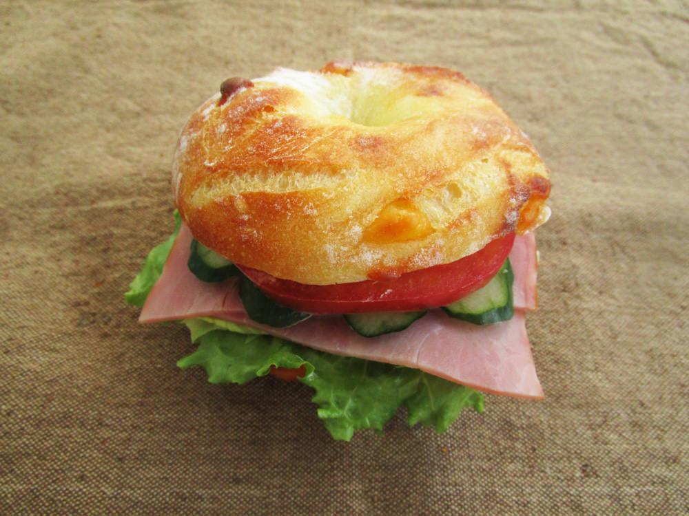 panove セモリナチーズのリングサンド